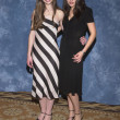 Постер, плакат: Michelle Trachtenberg and Mila Kunis