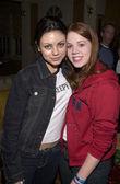 Mila Kunis and Lynsey Bartilson — Stock Photo