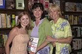 Beverley Mitchell, Patty Hansen and Irene Dunlap — Stock Photo