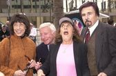 Lily tomlin, henry gibson, ruth buzzi y gary owens — Foto de Stock