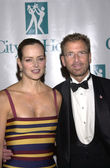 Edgar Bronfman Jr. and wife Clarissa — Stock Photo