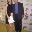 Alan Thicke with wife and son Carter — Stock Photo