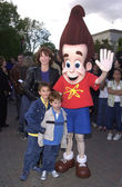Marilu Henner with sons Nicky and Joey — Stock Photo