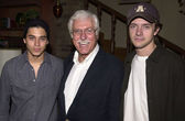 Wilmer Valderama, Van Dyke and Topher Grace — Stock Photo
