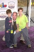 Miguel Ferrer and sons Raffi & Lucas — Foto de Stock
