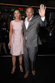 Christine Baumgartner and Kevin Costner — Stock Photo