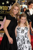 Cheryl Hines, Catherine Rose Young — Stock Photo