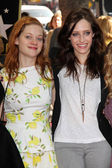 Jane Levy, Carly Chaikin — Stock Photo