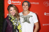 Ashley Benson and  Sean Faris — Foto Stock