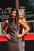 Sandra Bullock and Chelsea Handler — Stock Photo