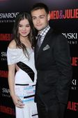 Hailee Steinfeld and Douglas Booth — Stock Photo