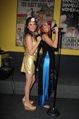 Alicia Arden and Melissa Hunter — Stock Photo