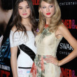 ������, ������: Taylor Swift and Hailee Steinfeld