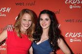 Katie Leclerc and Vanessa Marano — Stock Photo