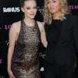 Постер, плакат: Amanda Seyfried and Sharon Stone