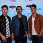 Nick Jonas, Joe Jonas, Kevin Jonas — Stock Photo #50700993