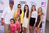 Mauricio Umansky, Kyle Richards and family — Stock Photo