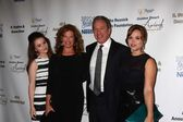 Amanda Fuller, Kaitlyn Dever, Nancy Travis, Tim Allen — Stock Photo