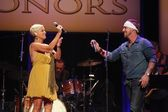 Lorrie Morgan and son Jesse Keith Whitley — Stock Photo