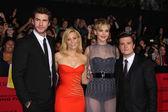 Elizabeth Banks, Liam Helmsworth, Jennifer Lawrence, Josh Hutcherson — Stock Photo