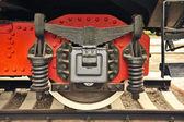 Rad eine alte dampflokomotive hautnah im detail. — Stockfoto
