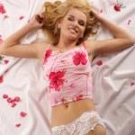rubia atractiva — Foto de Stock