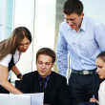 gruppo aziendale di molti differenti in ufficio al lavoro — Foto Stock