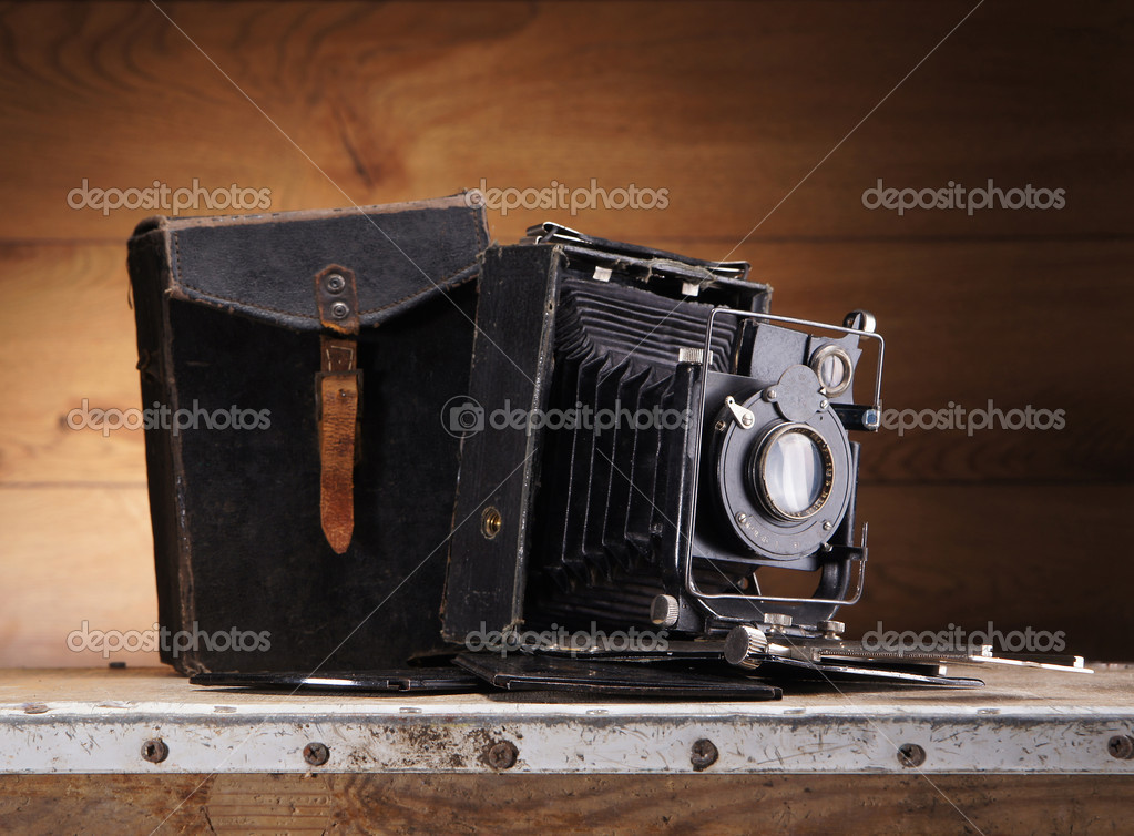 Ancient photo camera  — Foto Stock #15517711
