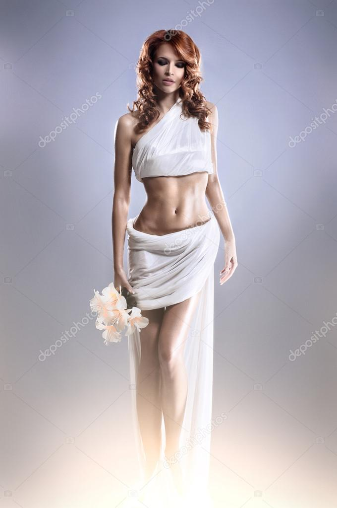 Fashion shoot of Aphrodite styled young woman — Stockfoto #15524007