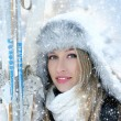 Attractive woman with ski — Stockfoto