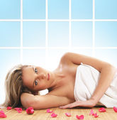 Young woman getting spa treatment — Stock Photo