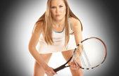 Jeune joueuse de tennis fit — Photo