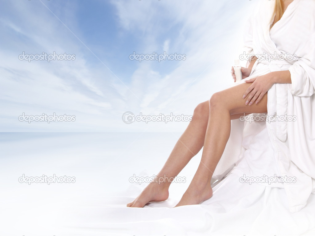 Sexy legs of young beautiful woman over natural background — Stockfoto #15866615