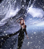 İpek esen içinde çekici genç kadın — Stok fotoğraf