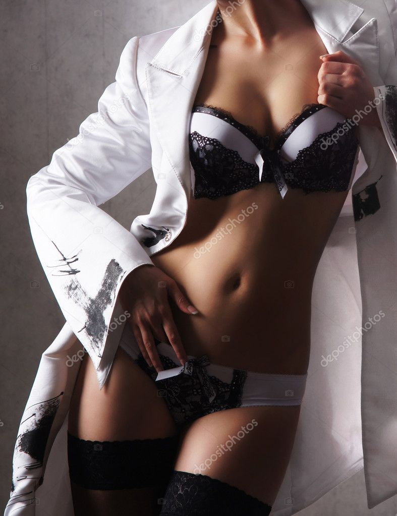 Sexy woman in nice lingerie — Stock Photo #15878961