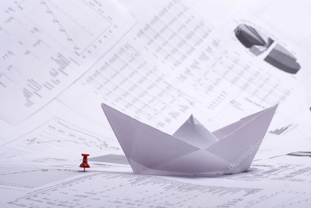 Business concept of paper boat and documents       — Stock Photo #15882211