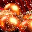 Christmas background with the balls and snowflakes — 图库照片