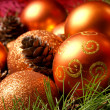 与球和雪花圣诞背景 — 图库照片
