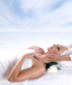 Young beautiful lady getting spa treatment — Stock Photo