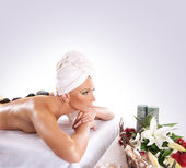 Young sexy bruYoung attractive sexy blond getting spa treatment — Stock Photo
