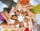 Teenageři izolovaných na bílém — Stock fotografie