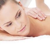 Jeune femme séduisante se masser traitement — Photo