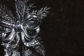 Juldekoration med silver bow — Stockfoto