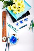 花のキャンドルやお香セット アロマテラピー — ストック写真
