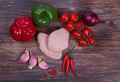 Nise fresh meat, greens, vegetables and spiced — Stock Photo