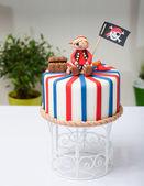 Cake pirate — Stock Photo