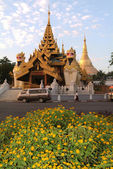 Shwedagon pagoda at Yangon capital of Burma — Stok fotoğraf