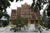 świątynia w luang prabang królewskiego muzeum, laos — Zdjęcie stockowe