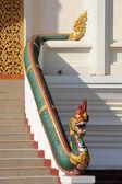 статуя нага на ступа пха это луанг на вьентьян, лаос — Стоковое фото