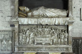 Tombstone in the Papal Palace in Avignon in France — Stock Photo